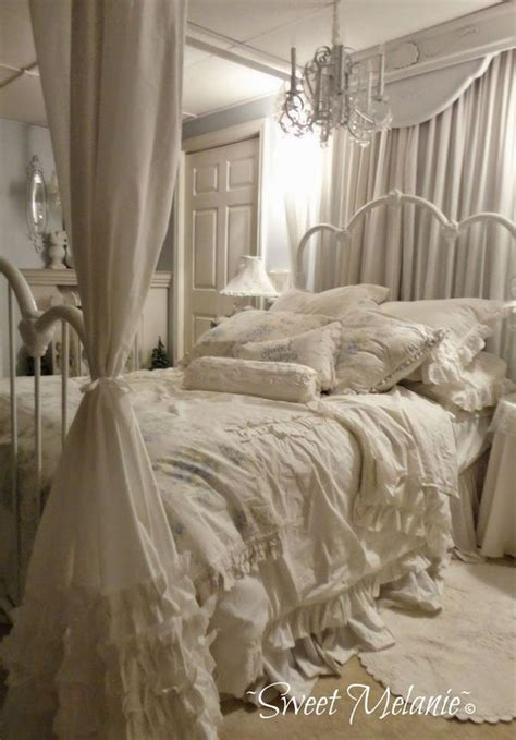 30 Shabby Chic Bedroom Ideas - Decor and Furniture for