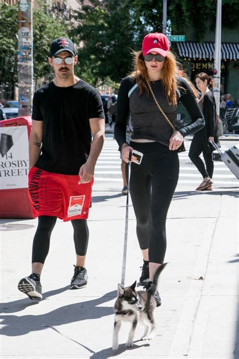 Game of Thrones Star Sophie Turner Just Got Engaged To Joe ...