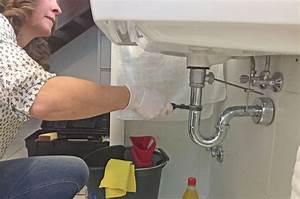 Küchenabfluss Verstopft Wer Zahlt Rohrreinigung : wer zahlt f r die reparaturen f r sch den in der wohnung muss meist der vermieter aufkommen ~ Frokenaadalensverden.com Haus und Dekorationen