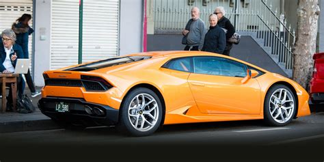 Review Lamborghini Huracan by 2016 Lamborghini Huracan Lp 580 2 Review Caradvice