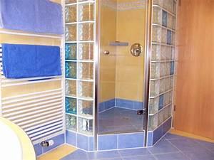 Duschwand Aus Glasbausteinen : eckdusche mit bunten glasbausteinenfliesen mammel ~ Sanjose-hotels-ca.com Haus und Dekorationen