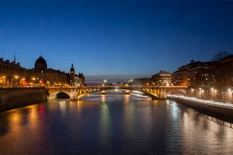 Bateau Mouche Facts by File Seine River Tribunal De Commerce And Pont Notre Dame