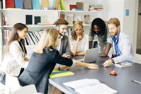 5 Reasons To Encourage Teamwork In The Workplace