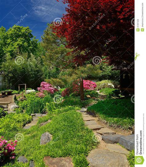 fotografie giardini percorso di pietra conduce all i giardini giapponesi