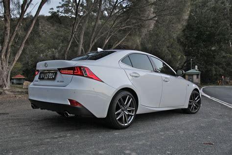 Lexus Luxury Sport Sedan Review