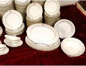 Service Vaisselle Porcelaine : service vaisselle table 180 pi ces porcelaine paris monogramme xix ~ Teatrodelosmanantiales.com Idées de Décoration