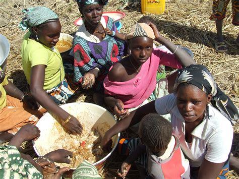 la meilleure cuisine du monde au mali un se vide de ses jeunes en quête d une