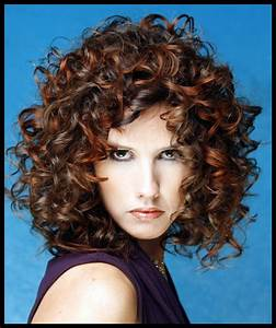 Lovable And Easy Hairstyles For Curly Hair To Do At Home