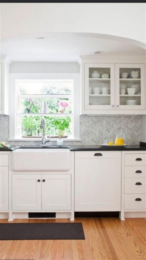 wood kitchen backsplash best 25 herringbone backsplash ideas on 1136