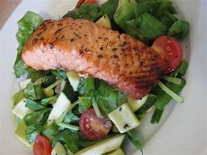 Grilled Salmon with Mint Salad Recipe