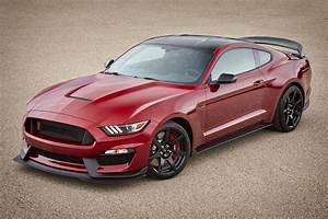 Hot New Colors and Features Announced for 2017 Ford Shelby GT350 Mustang - Hot Rod Network