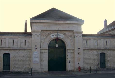 maison d arrt de blois file maison d arr 234 t de besan 231 on fa 231 ade principale jpg wikimedia commons