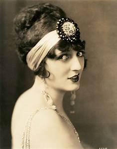 My Vintage Love Affair: Photo Inspiration: Carmel Myers ...