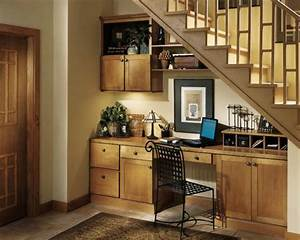 Schrank Unter Treppe Kaufen : schrank unter die treppe stellen eine tolle idee ~ Markanthonyermac.com Haus und Dekorationen