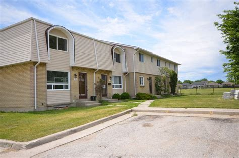 3 bedroom townhomes for rent corunna 3 bedrooms townhouse for rent ad id smi 347951