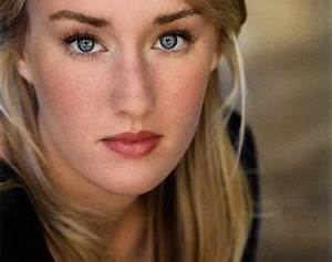 Ashley Johnson: The voice of Gwen Tennyson in Ben 10 ...
