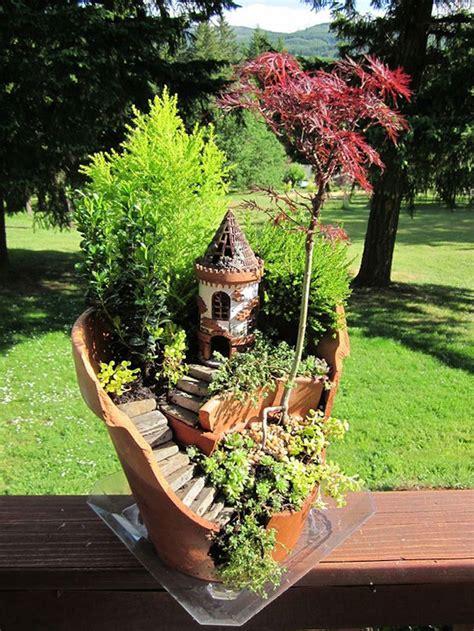 Broken Pots Turned Into Brilliant Diy Fairy Gardens
