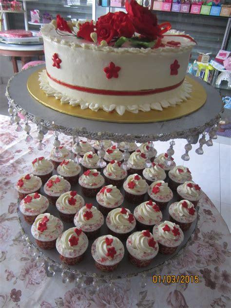 anika myrasa kek kahwin  tingkat tema merah putih