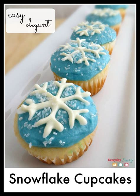 snowflake cupcakes perfect  winter  frozen party