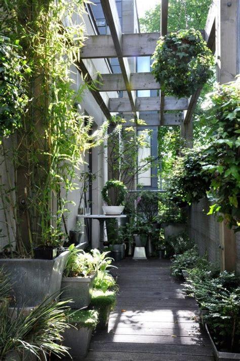 tiny outdoor garden ideas   urban dweller brit