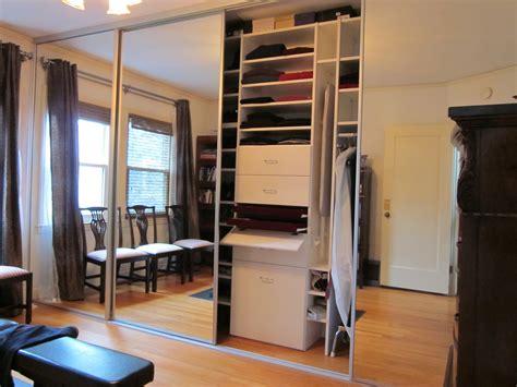 mirror sliding closet doors mirrored sliding closet doors