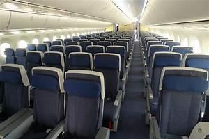 ANA's Boeing 787 Dreamliner has 250 economy class seats