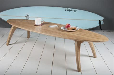 table basse chambre table basse pour chambre guirlande deco chambre ado table