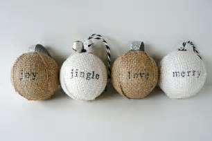 make sted burlap ornaments