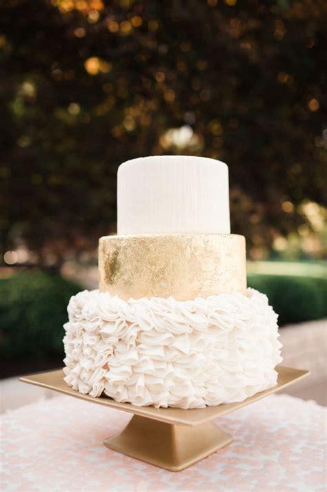 wedding cake tips of tiers it weddings
