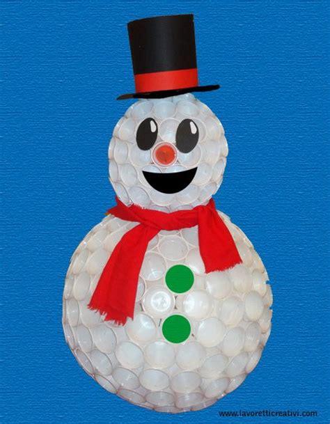 pupazzo di neve con i bicchieri di plastica pupazzo neve bicchieri plastica 91 jpg 507 215 652
