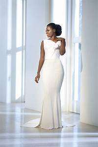The perfect couture wedding dress for slim to curvy brides for Wedding dresses for curvy figures