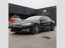 Blacked Out Tesla Model S Says a Lot about How the EV