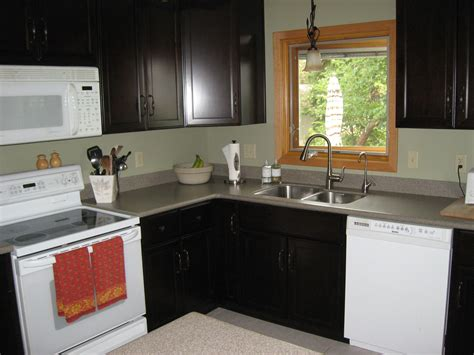 Small L Shaped Kitchen Remodel Ideas by Small L Shaped Kitchen Like Yours With Cabinets And