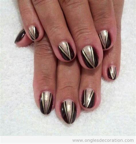 d 233 co sur ongles 233 l 233 gante triangle en dor 233 sur noir d 233 coration d ongles tout sur le nail