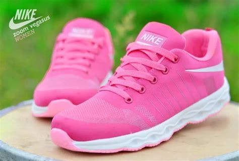 Daftar Harga Sepatu Nike Kw Murah April 2018 Gambar Sepatu Vans Tinggi Bhs Inggrisnya Sandal Tracking Sneakers Wanita Spotec Terbaru 2018 Touring Sidi Pendek Tulus Ukulele Chord Jenis