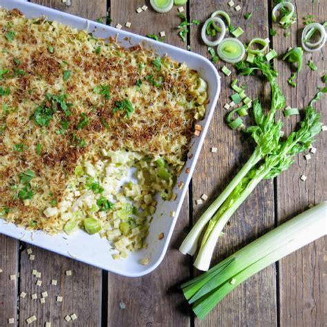 comment cuisiner le celeri branche gratin de crozets aux poireaux et céleri branche