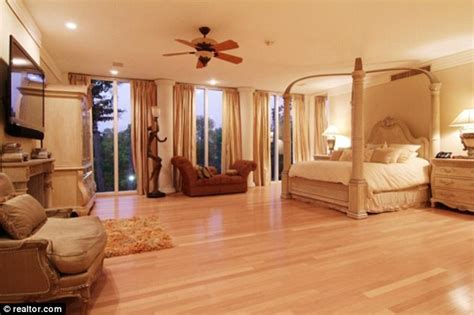 Soothing Houston Home by Beyonc 233 S Tina Knowles Sells Houston Home For