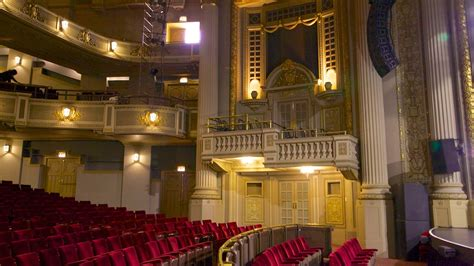 The 1st music & arts was situated in a tiny house in bethesda, maryland. Majestic Theater in Dallas, Texas | Expedia.ca