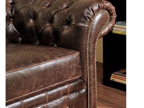 ventes uniques canapes canapés et fauteuil chesterfield cuir 2 coloris clotaire