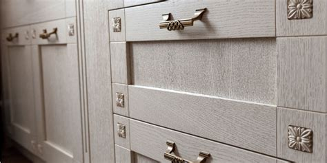 choosing kitchen cabinet hardware choosing your kitchen s fixtures hardware for your 5409