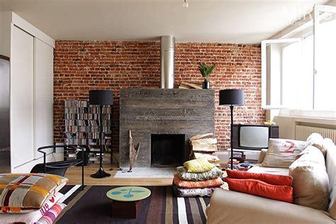 cheminee moderne  mur de briques  mires paris