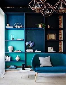 Canapé Bleu Roi : 1001 id es d co salon bleu canard paon p trole du goudron et des plumes ~ Teatrodelosmanantiales.com Idées de Décoration