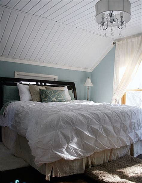 Ideas For Bedroom With Slanted Ceiling by Decorating Bedrooms With Slanted Ceilings Myideasbedroom