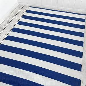 balkon maritim gestalten so gehts maritim einrichten With balkon teppich mit magnetfolie unter tapete