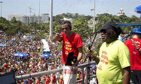 Bangalafumenga comemora 15 anos com Milton Nascimento no ...