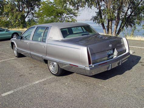 manual cars for sale 1995 cadillac fleetwood electronic valve timing 1995 cadillac fleetwood brougham for sale classiccars com cc 1022373
