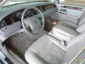 2000 Lincoln Town Car Interior Wallpaper