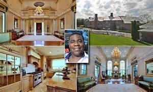 tracy 39 s home building tracy morgan received 90m in walmart settlement after