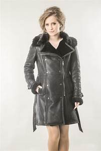 Fur coat for women, with a military design