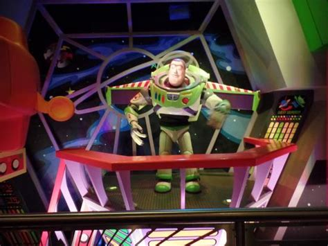 buzz lightyear 180 s space ranger spin picture of buzz lightyear s space ranger spin orlando